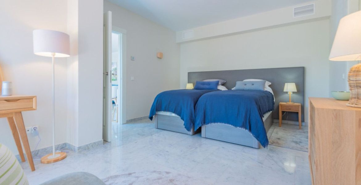 Exclusive apartment in Marina Puente Romano