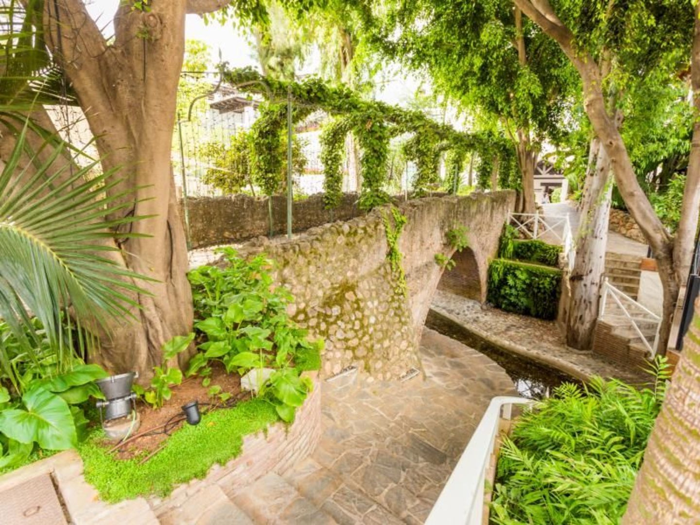 Two bedroom apartment in Hotel Puente Romano