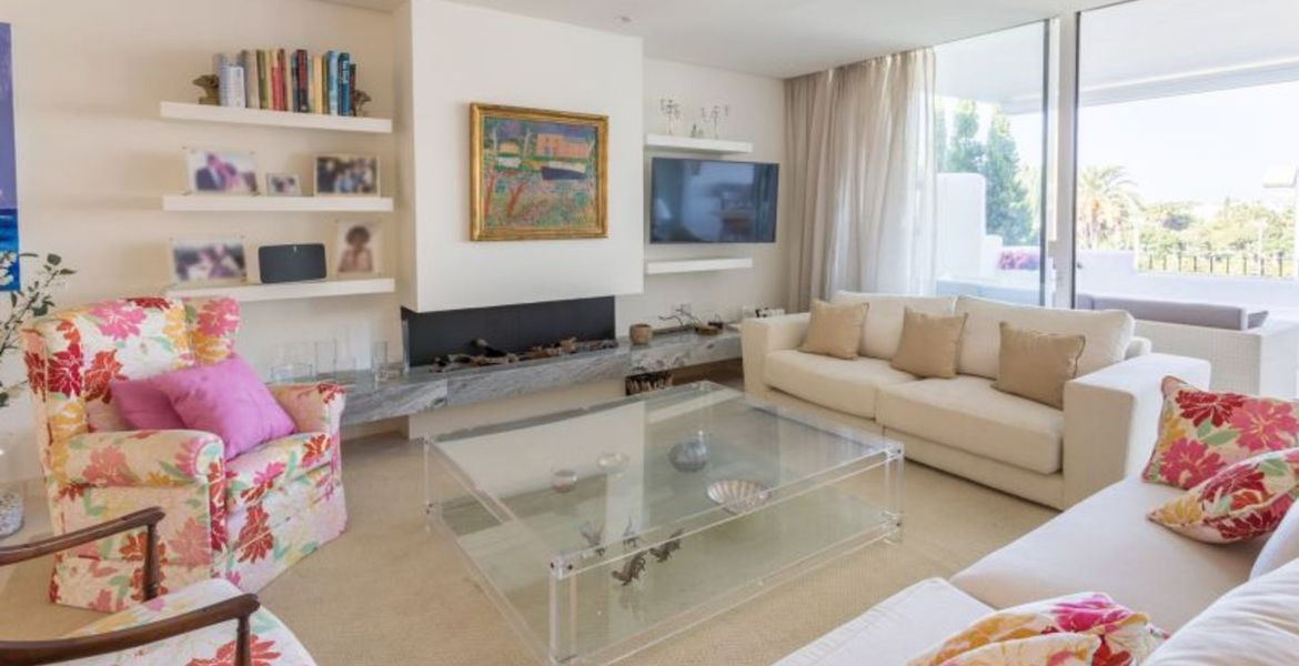 Amazing Modern 3 bedroom 4 bathroom Apartment