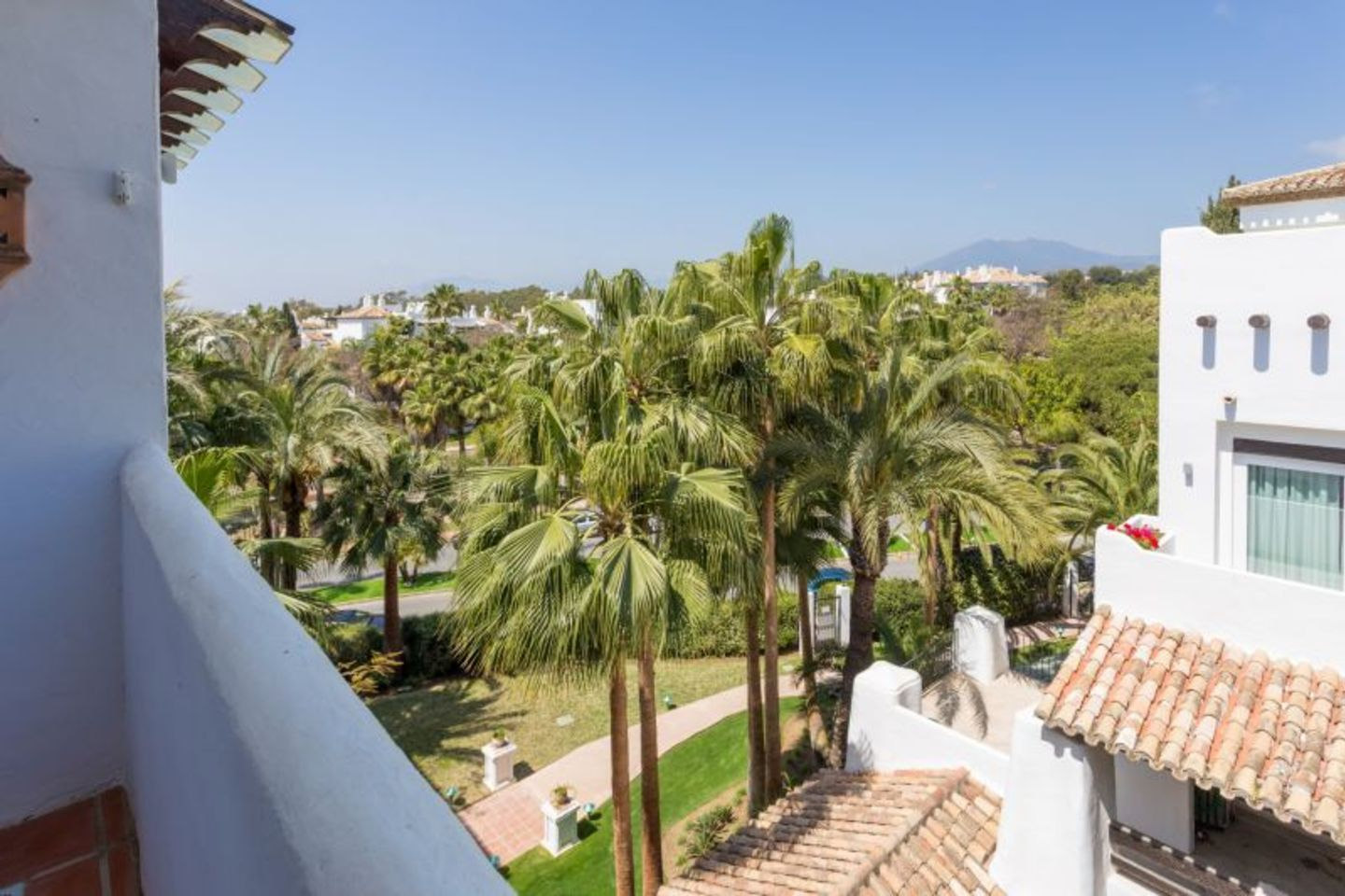 Lovely Duplex Penthouse in Marina Puente Romano