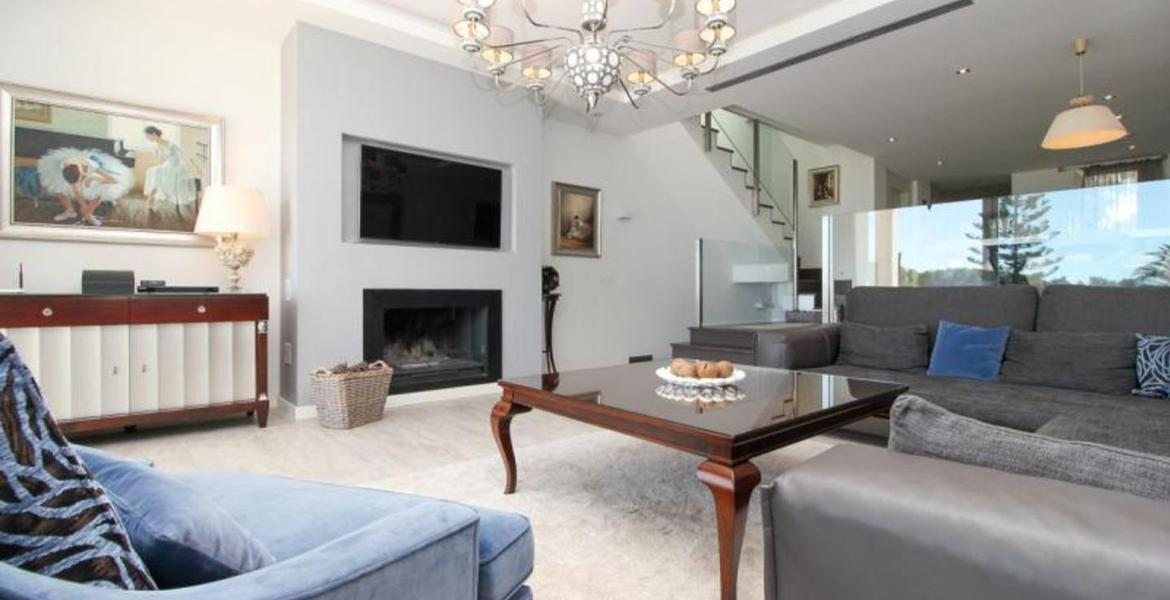 Beautiful three bedroom townhouse for long-term rent