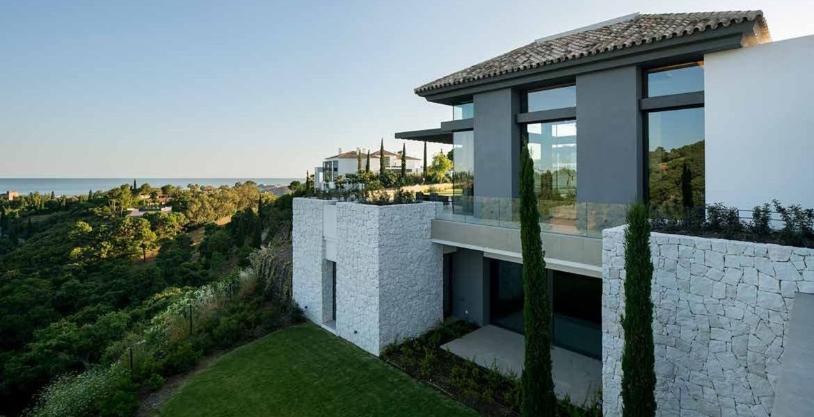 Amazing 8 bedroom villa for sale in La Zagaleta